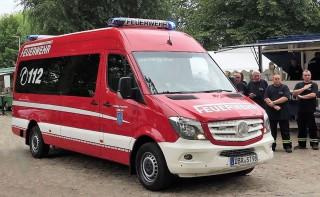 neuer-mannschaftswagen-ffw-staebelow